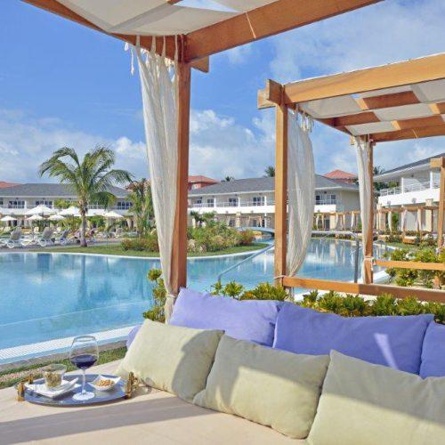 Beach-Concierg-SwimUp-Pool-Royal-Service-PPM