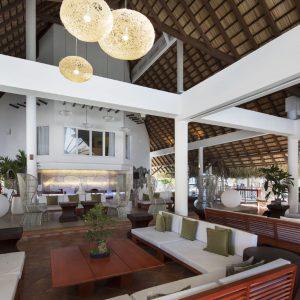 hotel-royalton-hicacos-resort-spa-varadero-lobby